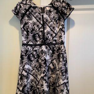 Black and white flower printed dress